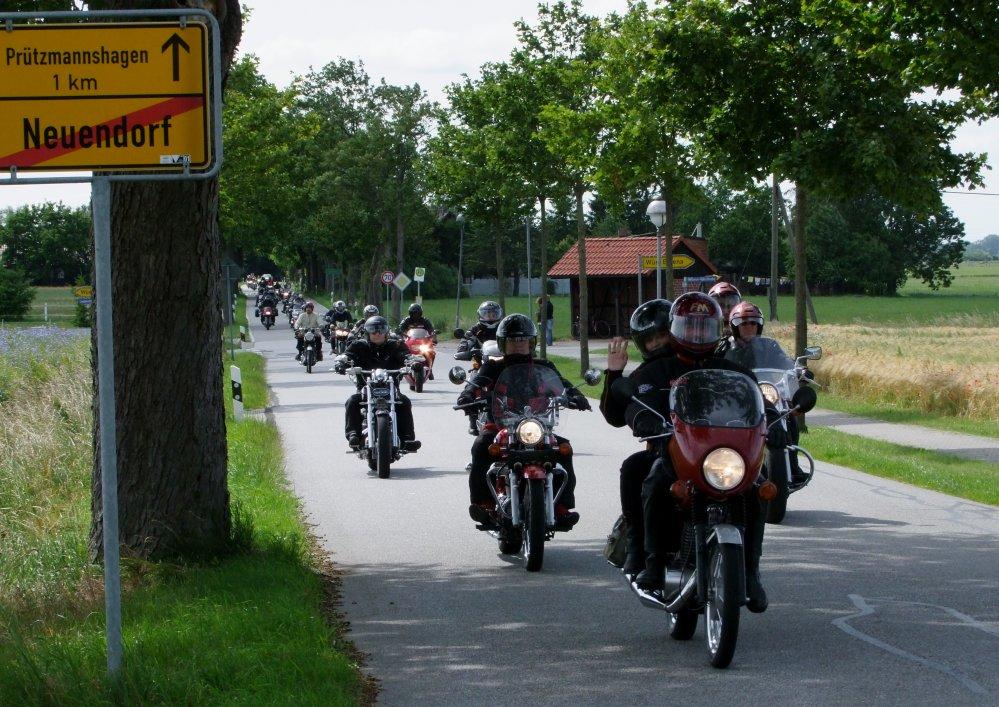 Bikertreffen Neuendorf Gemeinde Süderholz bei Grimmen