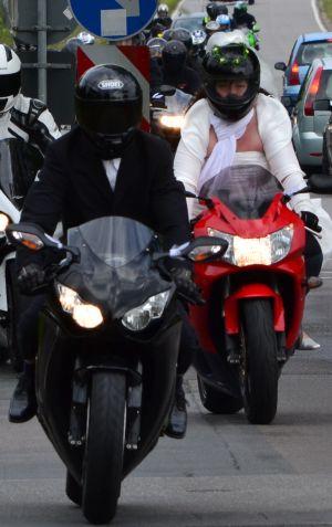 Motorradfahrer-Hochzeitspaar 2012