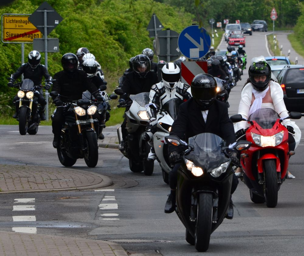 Motorradfahrerhochzeit 2012